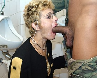 Reba mcentire boob job