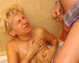 Pissing - Page 2 Free porn My Mature Granny - Mature